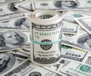 Курс доллара получит поддержку на фоне противостояния Запада и России