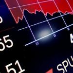 Фондовый рынок России открылся падением под давлением геополитики