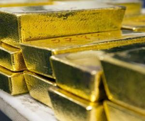 Стоимость золота восстанавливается после двух провальных недель