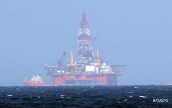 Нефть снова дешевеет: за день потеряла более 3%