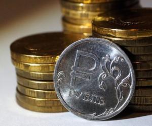 Курс рубля уверенно падает в район 67 за доллар